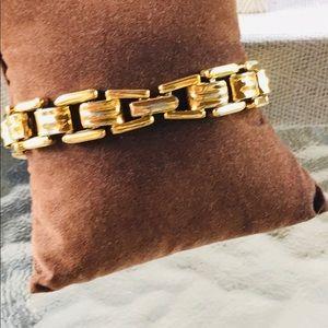 Elegant! Vintage MONET Goldtone Links Bracelet!